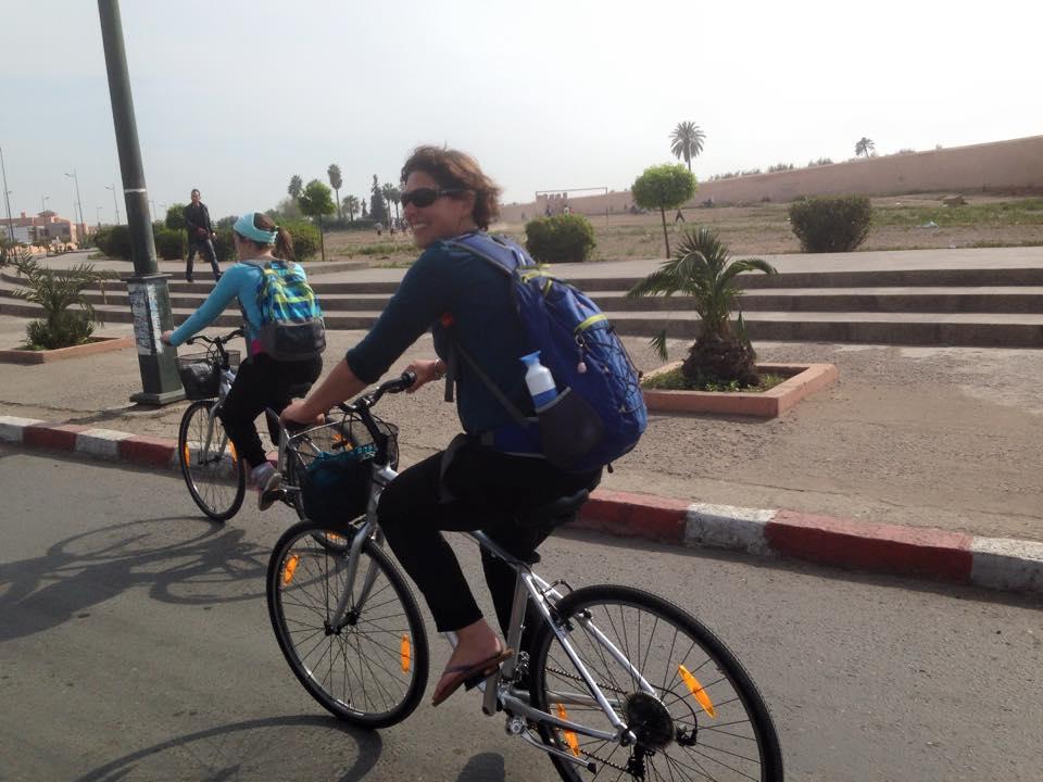 Un voyage à vélo à court cuvette la médina